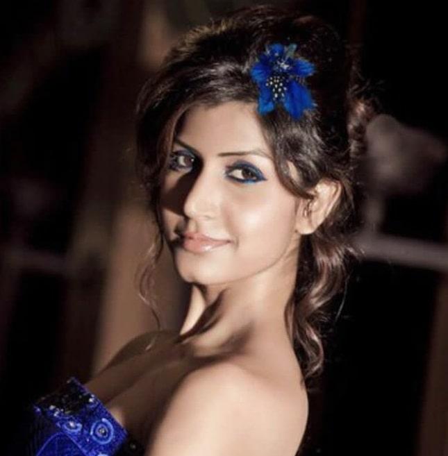 बॉलीवुड को लगा बड़ाझटका,अभिनेत्री दिव्या चौकसे का हुआनिधन, ट्वीट कर मांगी थी मदद