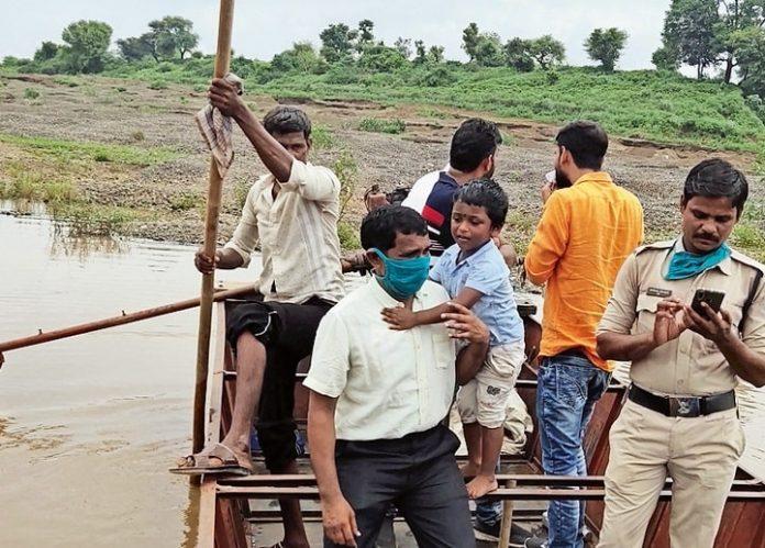over-250-trolleys-of-7-50-lakh-sand-Mafia-mp-samachar