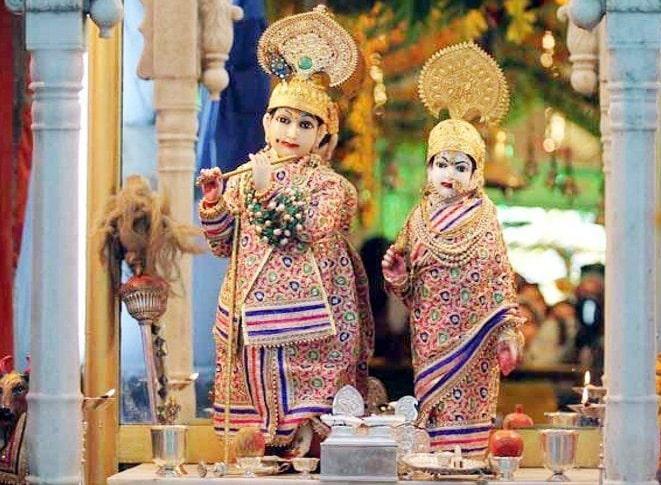 radha-and-krishna-will-wear-100-crores-jewelery
